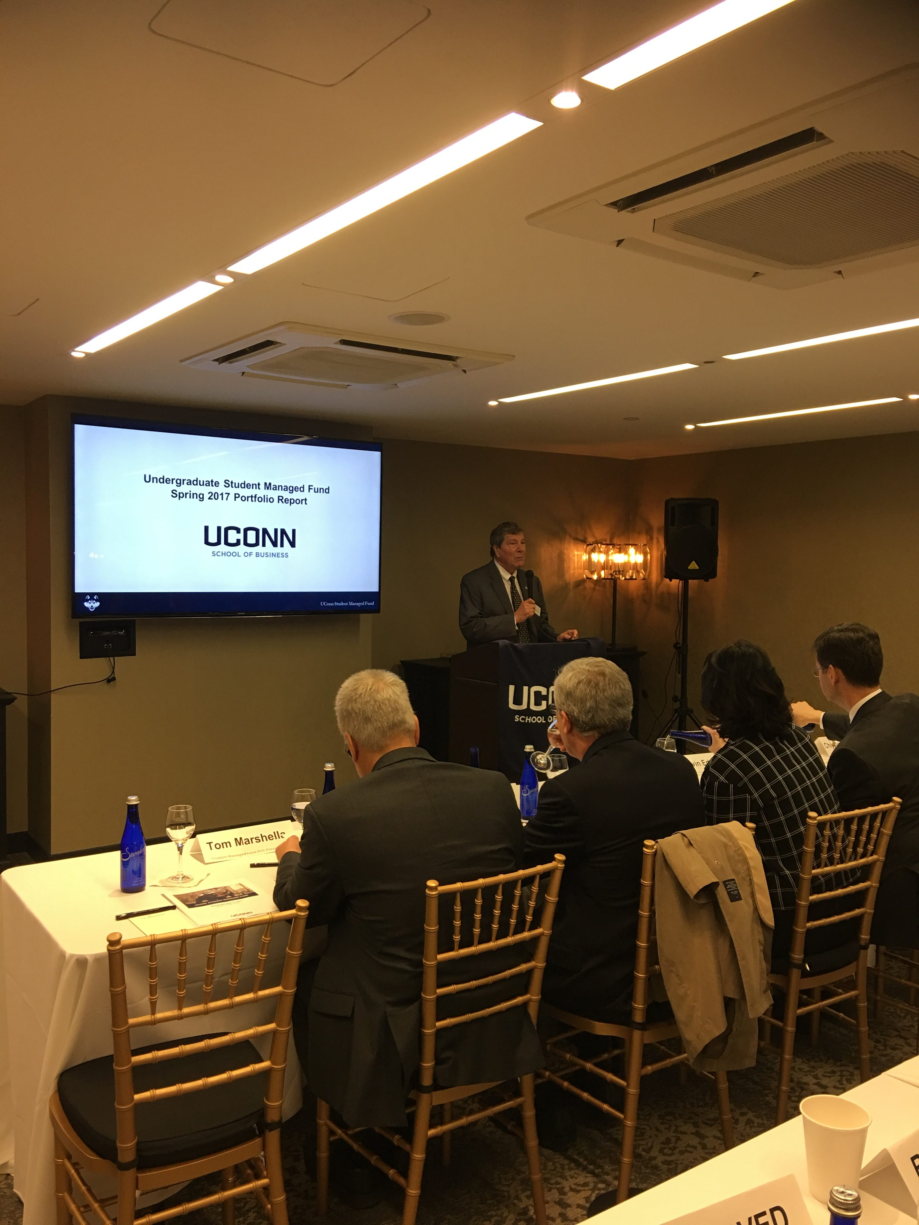 Dean John Elliott welcoming the Investment Advisory Board members, SMF Alums as well as current and future SMF members.